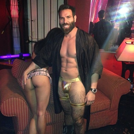 top-10-fotos-wtf-dan-bilzerian-07
