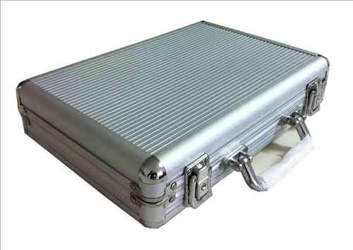 Empty aluminium Poker Case 200